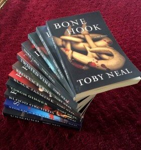 Toby Neal's Lei Crime series | From the blog of Nicholas C. Rossis, author of science fiction, the Pearseus epic fantasy series and children's books